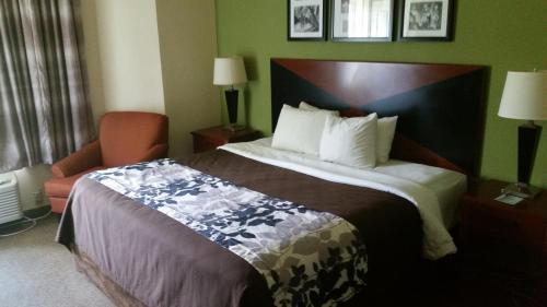 Sleep Inn West Photo
