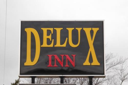 Delux Inn Photo