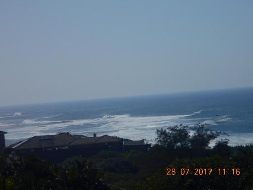 Adret 1 Shelly Beach Photo