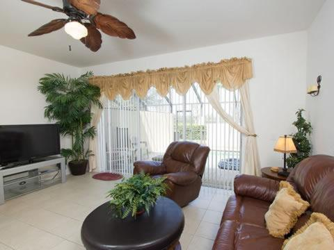 Fitzclarence 7661 - Kissimmee, FL 34741