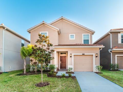 Bismarck Palm Road 8974 - Kissimmee, FL 34741