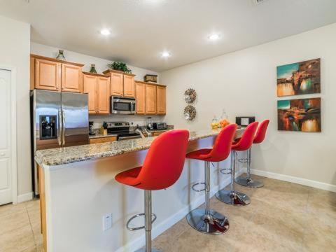 Beach Palm Avenue 3061 - Kissimmee, FL 34741