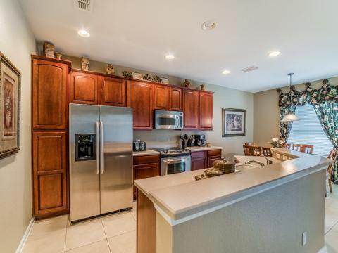 Pawnall 2611 - Kissimmee, FL 34741