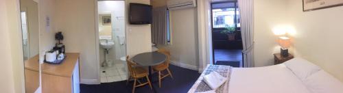Acacia Inner City Inn