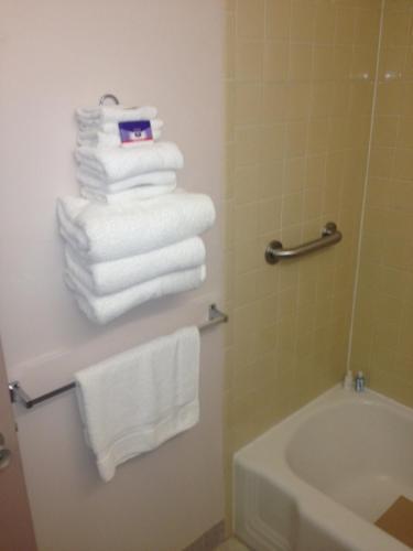 Richmond Inn & Suites