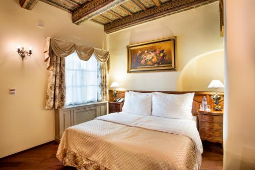 The Iron Gate Hotel & Suites - 12 of 102