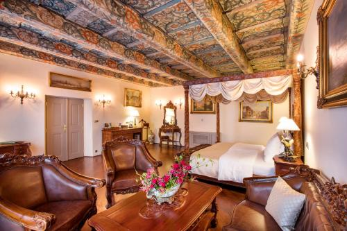 The Iron Gate Hotel & Suites - 13 of 102