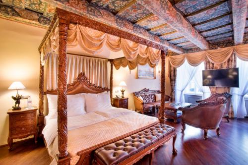 The Iron Gate Hotel & Suites - 37 of 102