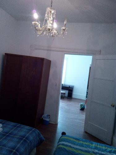 South Annex Room In House - Toronto, ON M5S 2K3