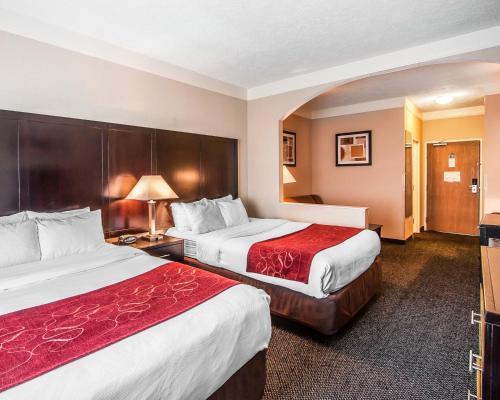 Comfort Suites Clackamas Photo