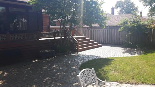 Private 2 Bedroom Apartment Close To The Airport - Etobicoke, ON M9C 4S1