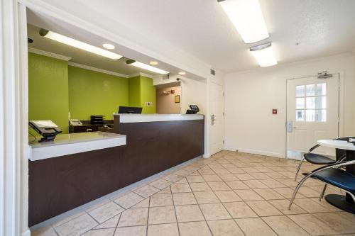 Studio 6 Atlanta Gwinnett Place - Duluth, GA 30096