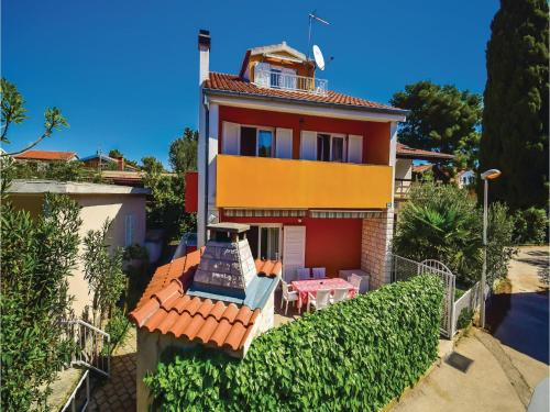 Four-Bedroom Holiday home Sibenik with Sea View 08