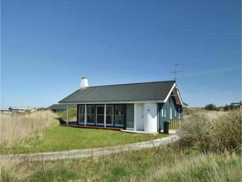 Three-Bedroom Holiday home Hjørring with a room Hot Tub 01