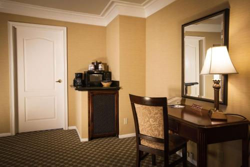 Best Western Plus Sunset Plaza Hotel photo 27