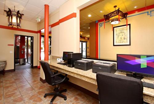 Best Western Plus Dragon Gate Inn photo 22