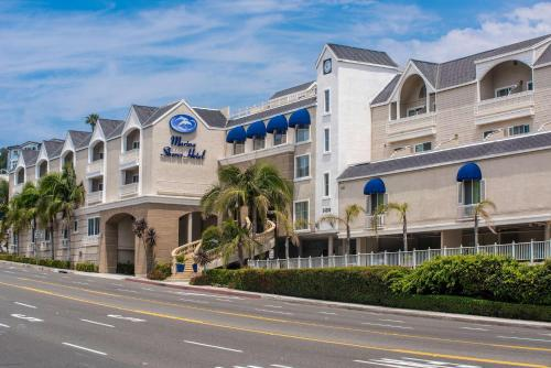 Best Western Plus Marina Shores Hotel Photo
