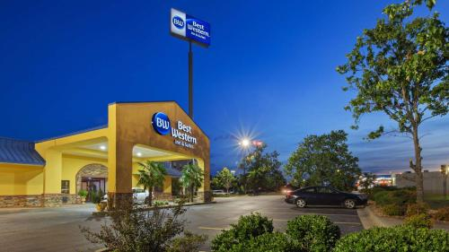 Best Western Inn & Suites - Byron, GA 31008