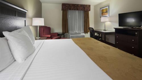 Best Western Legacy Inn & Suites Beloit/South Beloit Photo