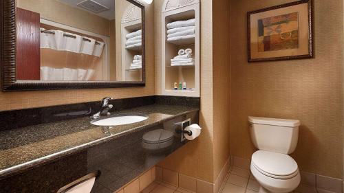 Best Western Monroe Inn & Suites Photo