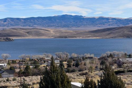 Best Western Topaz Lake Inn Photo