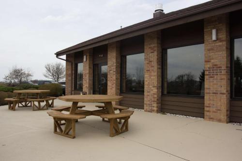 Best Western Lakewood Inn Photo