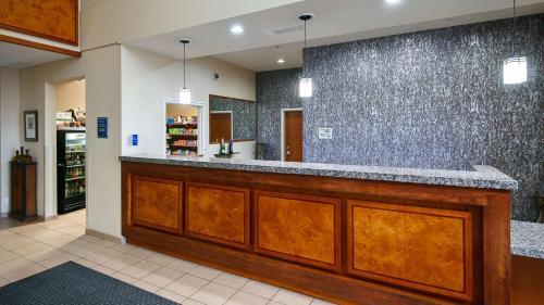 Best Western PLUS Peppertree Inn at Omak Photo