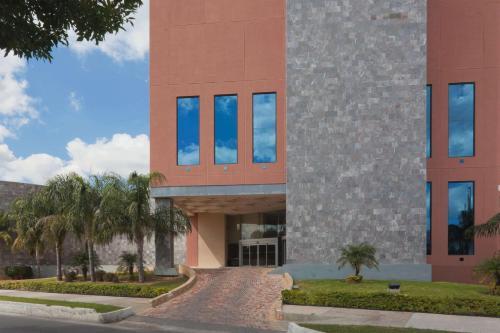 Best Western PLUS Nuevo Laredo Inn & Suites Photo