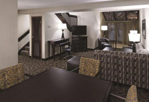 Best Western Ramkota Hotel Aberdeen Photo