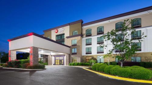 Best Western Plus Birmingham Inn & Suites - Birmingham, AL 35242