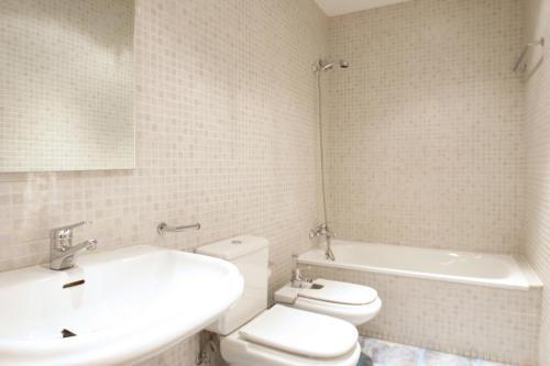 Paseo de Grácia Apartments photo 39