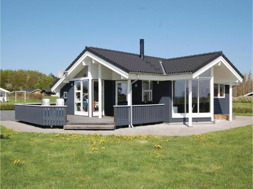 Three-Bedroom Holiday home Rudkøbing with Sea View 06