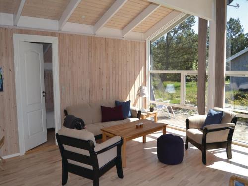 Three-Bedroom Holiday home Sæby 05