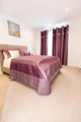 2 Bed Flat Regents Park photo 9