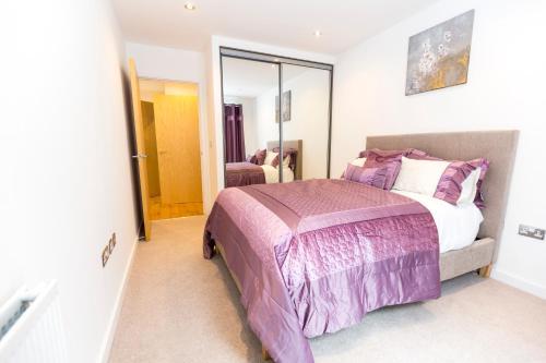2 Bed Flat Regents Park photo 10
