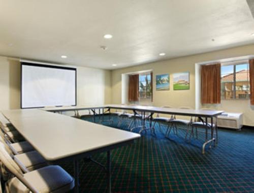 Microtel Inn & Suites by Wyndham Wellton Photo