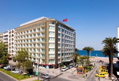 Izmir Izmir Palas Hotel yol tarifi