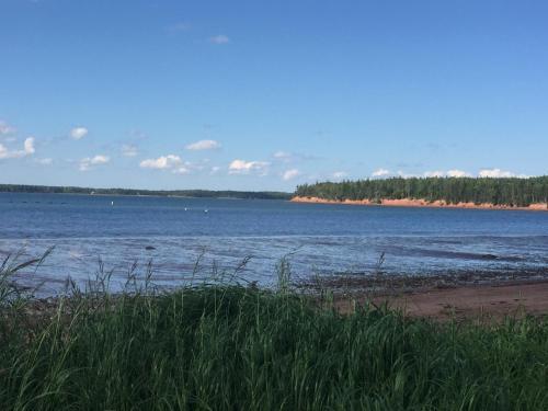 Cann's Waterfront Retreat - Montague, PE C0A 1R0