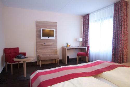 Hotel Rheinterrasse Benrath photo 21