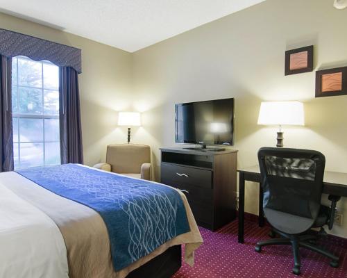 Comfort Inn West Little Rock Photo