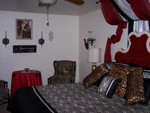 Amid Summer's Inn Bed And Breakfast