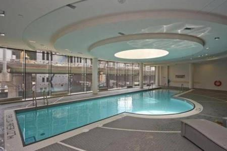 Luxury 1br+1wr Apartment Across Acc Centre - Toronto, ON M5J 0A9