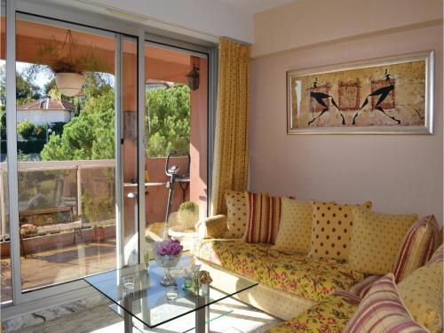 One-Bedroom Apartment in Nice photo 2