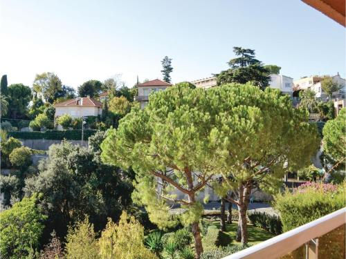 One-Bedroom Apartment in Nice photo 19
