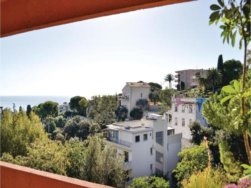 One-Bedroom Apartment in Nice photo 20