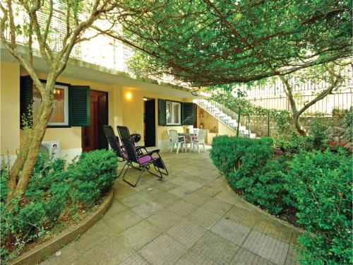 One-Bedroom Apartment in Baska Voda