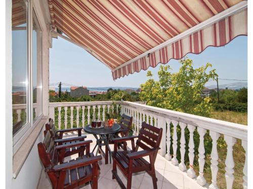 Apartment Kastel Luksic with Sea View 374