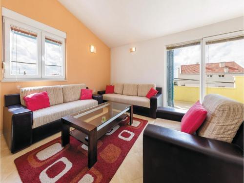 Apartment Podstrana with Sea View 9