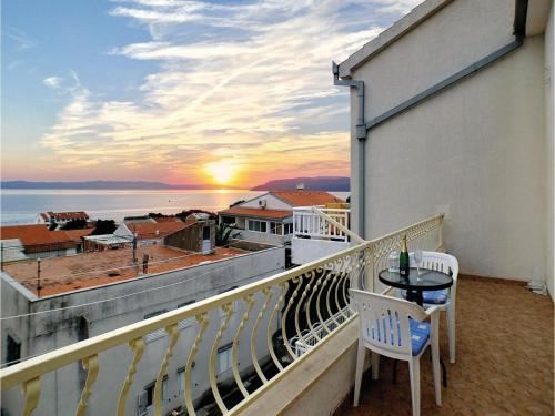 Apartment Makarska with Sea View 2