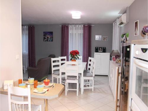 Two-Bedroom Holiday Home in Boulbon photo 9
